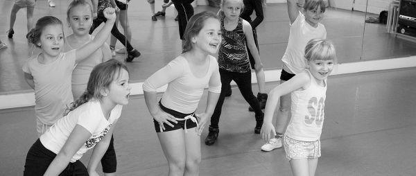 Kinderen aan het dansen